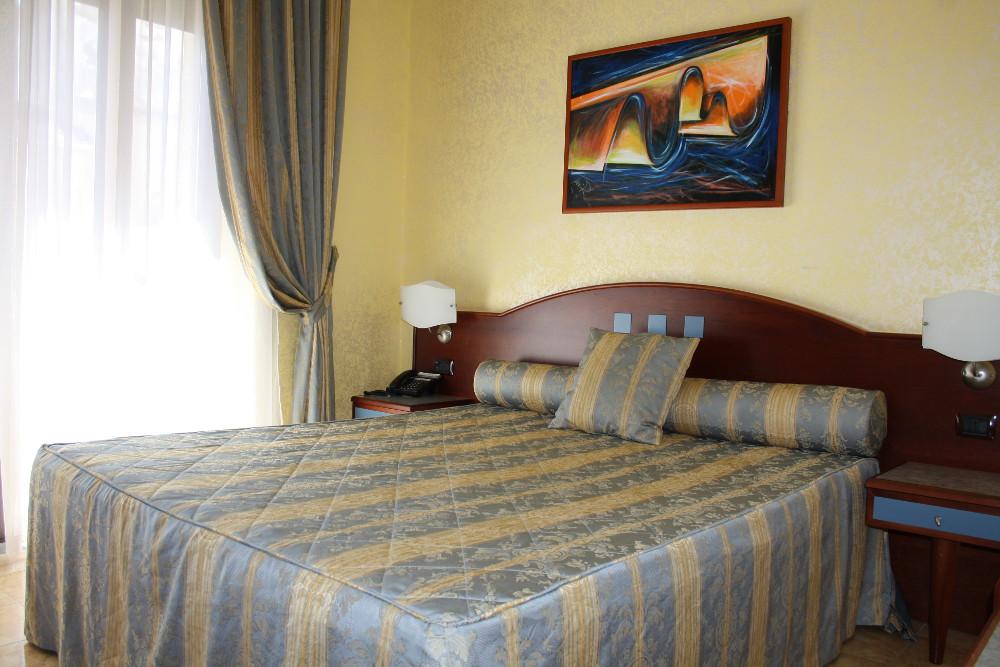 hotel-san-giuseppe-tre-stelle-catanzaro-camera-doppia-matrimoniale-classic